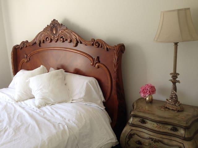 Prvt Rm/Bath French Retreat - La Crescenta-Montrose - Apartament