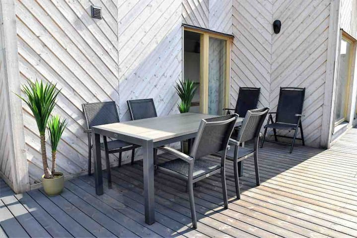 Sunny studio with great terrace