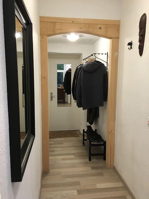 Der Eingangsbereich von der Wohnung aus gesehen