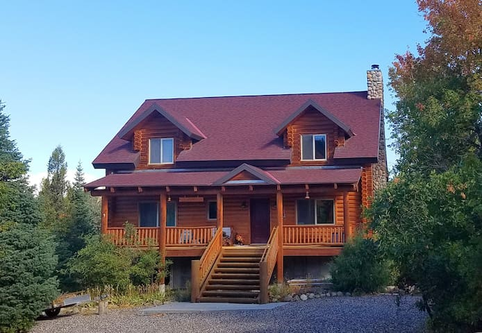 Creek side mountain cabin retreat - Mount Pleasant - Cottage