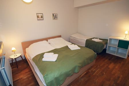 King bed and 2 single beds, new, shared floor #6 - Hafnarfjordur