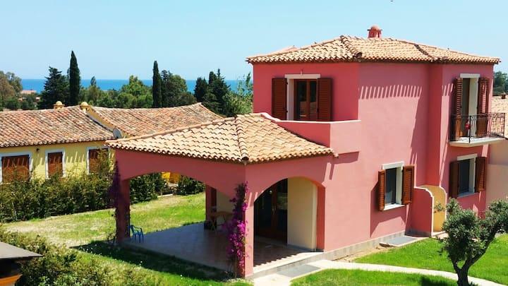 Villa close to the Sea, 5 mins walk from Beach