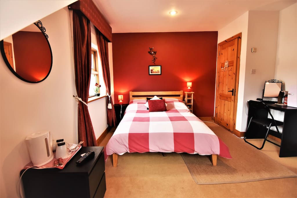 The cosy Red room
