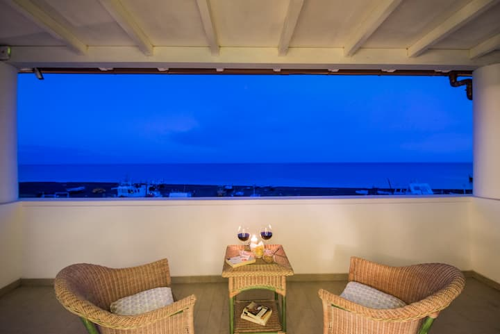 DeLuxe Family Room with terrace sea view