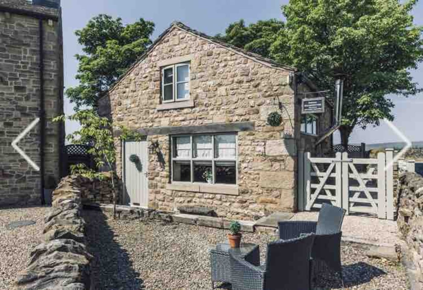 Pinfold Cottage frontage on approach.  Access is through a little gate on the side, follow Cottage stepping stones round the back down a step to the back door where the keysafe is located