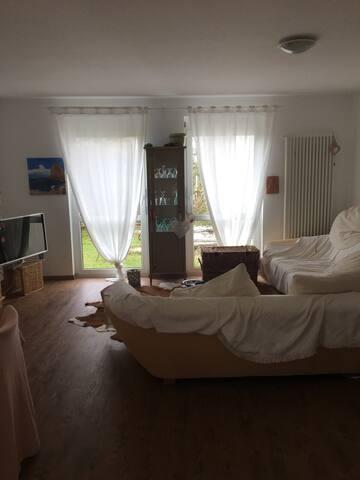 Zimmer in Gemütlichem Häuschen im Grünen
