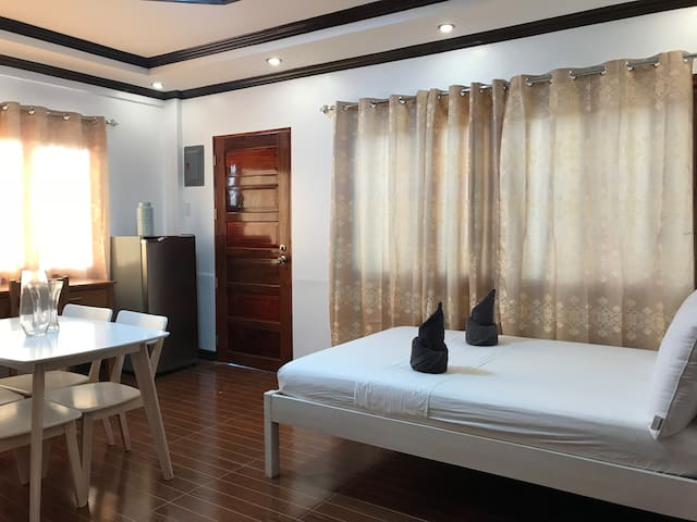 Siargao Luxury GL Homestay (2 Guests)