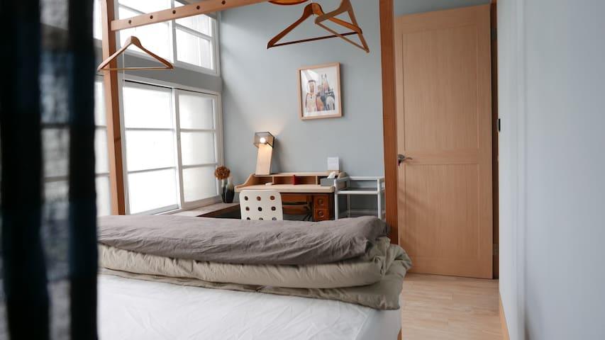 Yilan Yilan 002 City center cozy room