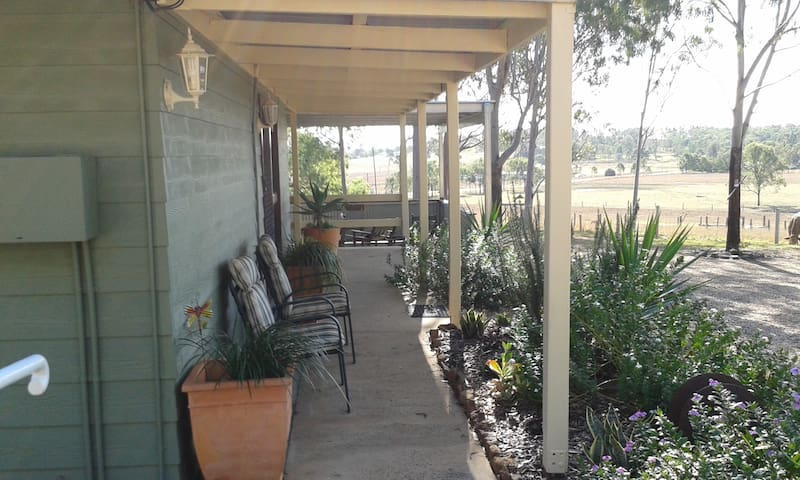 Green Acres Retreat - Laidley South - Appartement