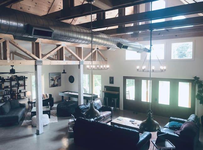 B E D R O C K Private Room 4 (Unique Modern Vibe)