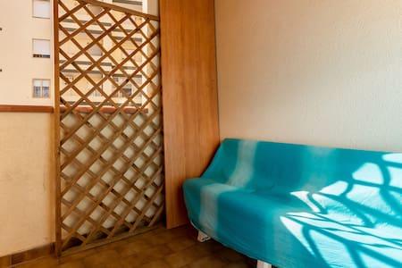 Camera con veranda vicino al mare - Quartu Sant'Elena - Leilighet