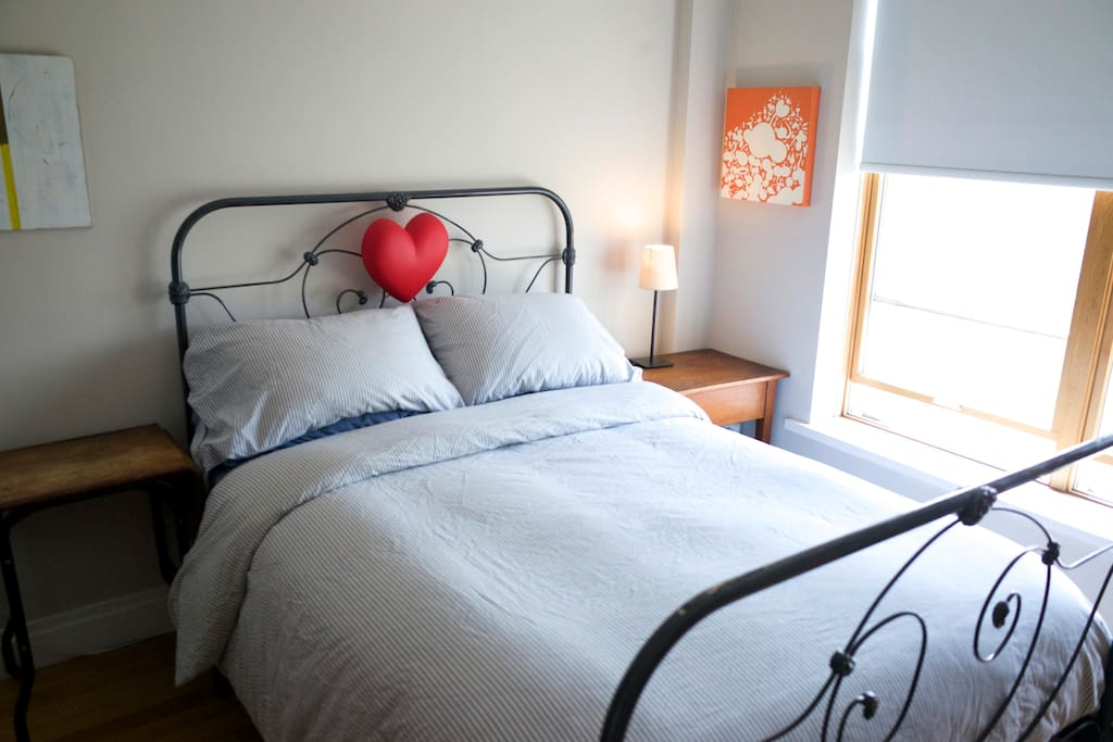 Heart of williamsburg 2 bedroom sleeps 5 apartments for rent in brooklyn new york united states 5 bedroom apartment brooklyn