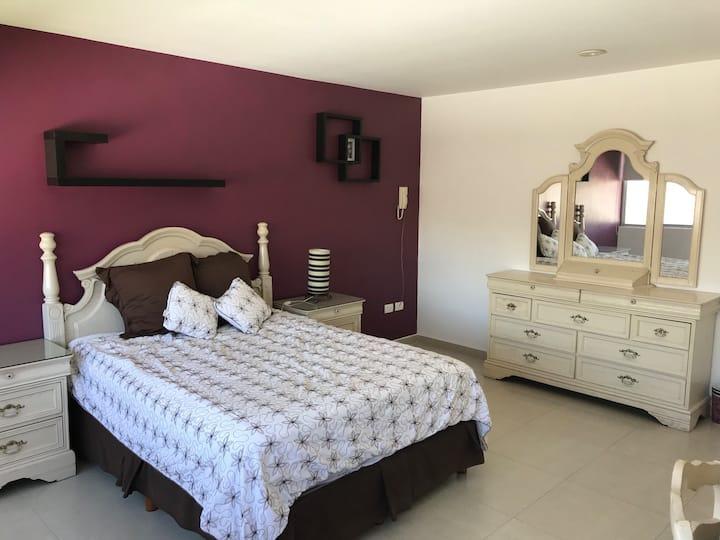 Habitación INDEPENDIENTE en Residencial El Lucero