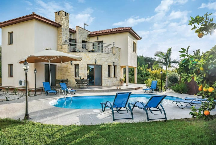 Large 4 bed villa, perfect for families
