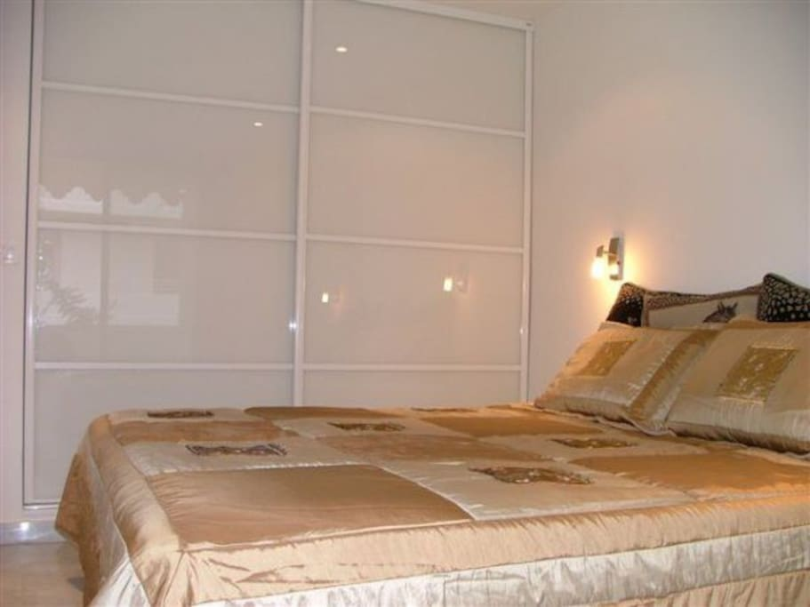 Bedroom with super king bed