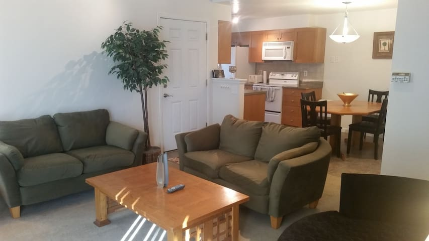 Full 1BD Apartment minutes from downtown Denver - Thornton - Apartmen