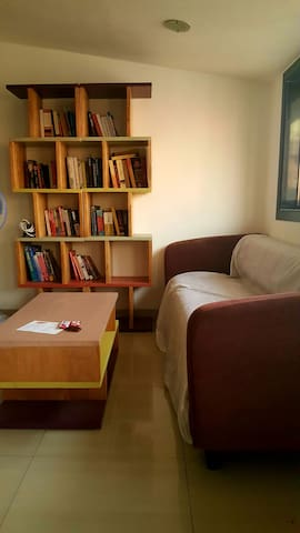 Comfortable stay in Colaba with sea view balcony - Mumbai - Appartement