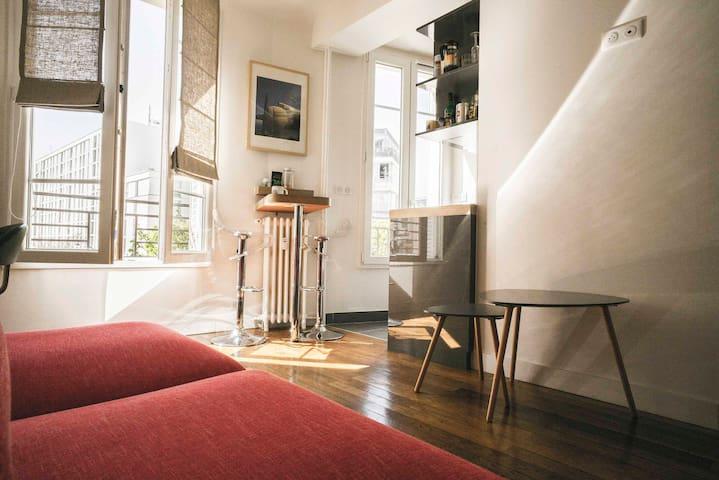 """Charming Parisian flat """"Les petits Loups"""""""