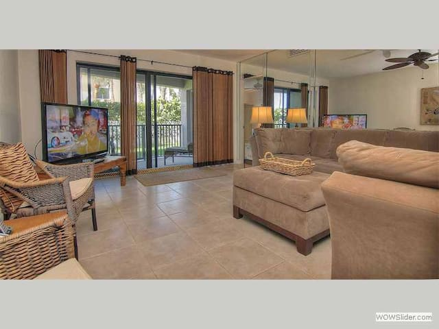 BLS107 - Elegant First Floor Condo on a Quiet Beach Just Minutes from all the Activities of Clearwater - Belleair Beach - Kondominium