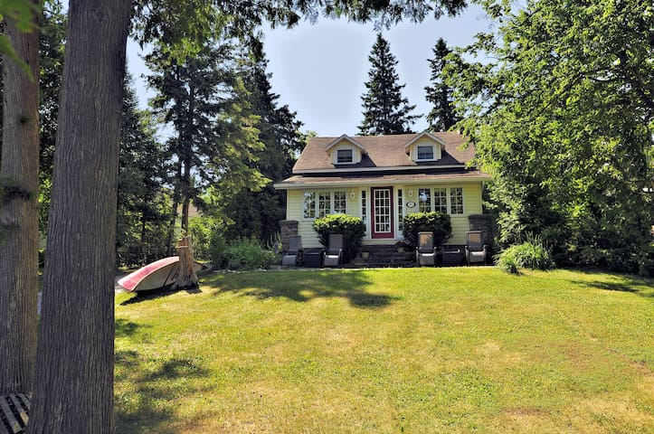 Sturgeon Lake with Character and Comfort - Kawartha Lakes - Kabin