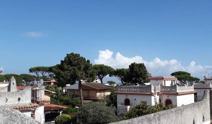 Villa Circeo in elegante comprensorio sul mare