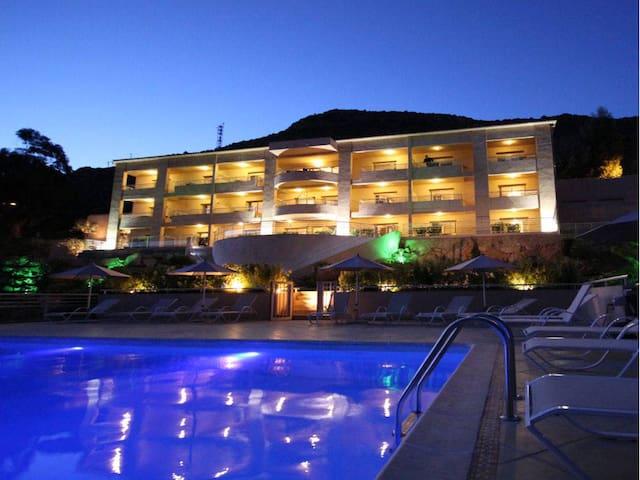 Hotel Costa Rossa*** appartement 2 personnes
