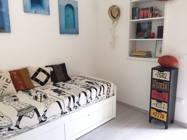 Ethnic room (stanza privata) - Torre Canne - Apartment