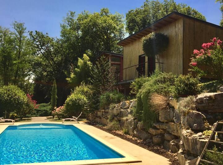 Sublime villa contemporaine avec piscine à Martel