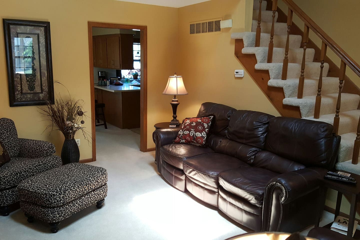 Living room with cable TV.