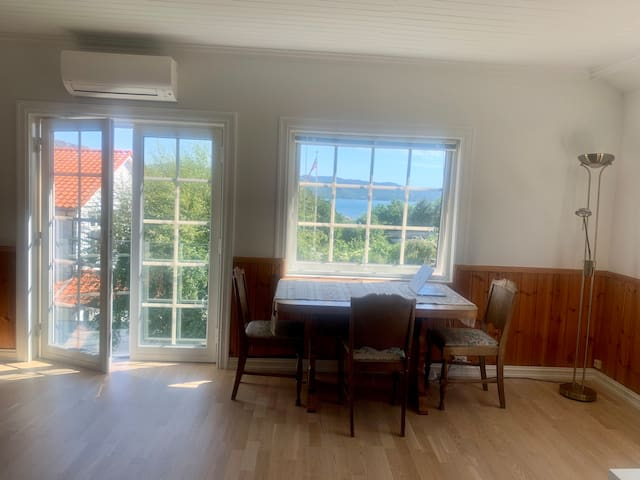 Spacious & bright apartment with stunning views