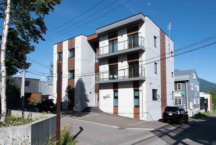 Flow#8 2 bdr apartment in Central Hirafu