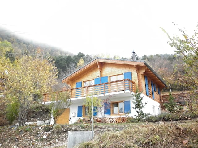 Niouc -  schönes Chalet in sehr ruhiger Lage - Chandolin - บ้าน