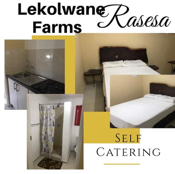 Lekolwane Farms Rasesa self catering