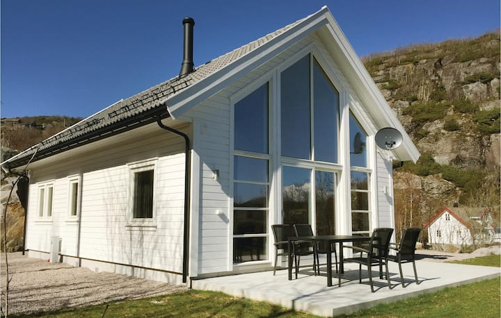 Nice home in Lyngdal with 4 Bedrooms