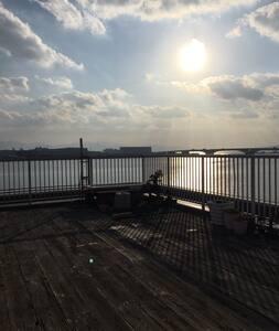 海が真下に広がる、広いバルコニーある南フランス風は、福岡でココだけ!! - 鉾田市