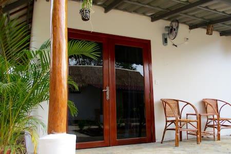 Om Home Superior Bungalow 1 - Krong Preah Sihanouk - Bungalow