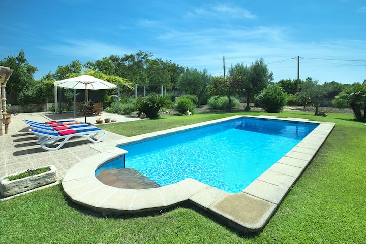 OWL BOOKING VILLA  MARGARITA - 15 MIN WALK TO THE BEACH
