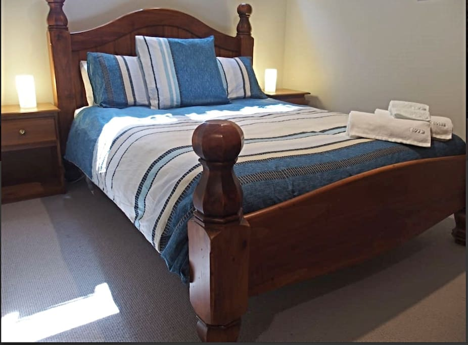 Main bedroom with queen bed. Sheridan sheets. Plenty of wardrobe space in this room too.