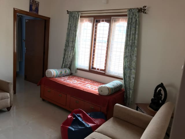 Private room in a quite neighbourhood - Bengaluru - House