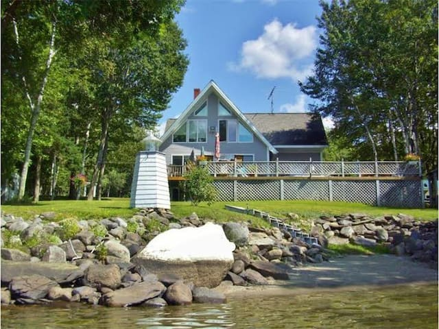 Lake Winnecook, Maine - All Season Getaway