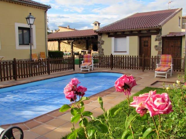 Preciosa Villa en Segovia con piscina privada