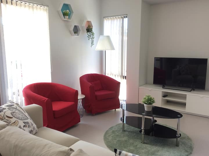 Clean&Comfy houseA in Perth,close to CBD&Airport