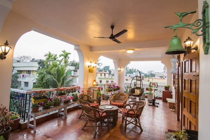 Somma's Patio House in Kolkata