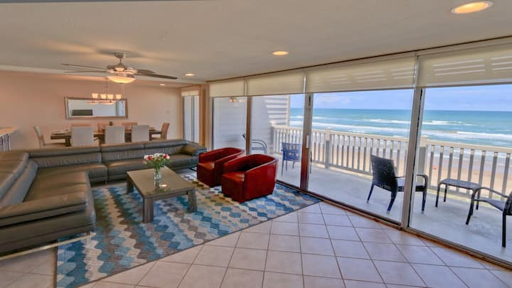 At home by the sea! 3 beachfront balconies. Picture – perfect Oceanview