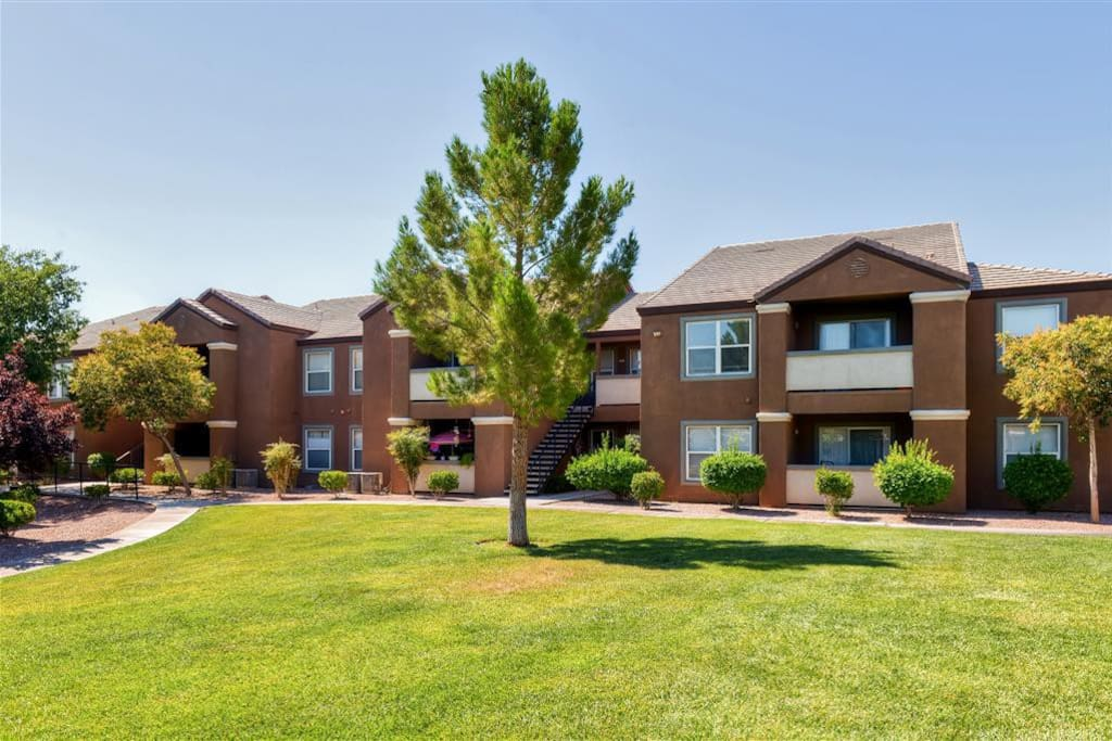 You'll simply love this condo's pristine gated community