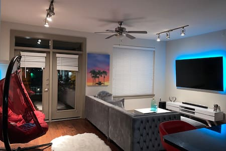 Luxury,cozy , affordable dfw airport apartment