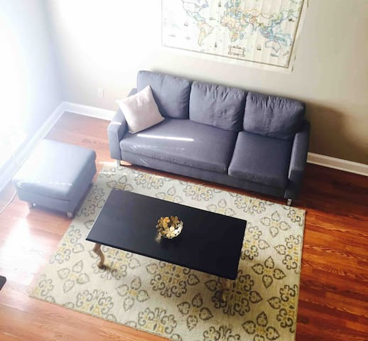 Cute loft 7 minutes from Southside