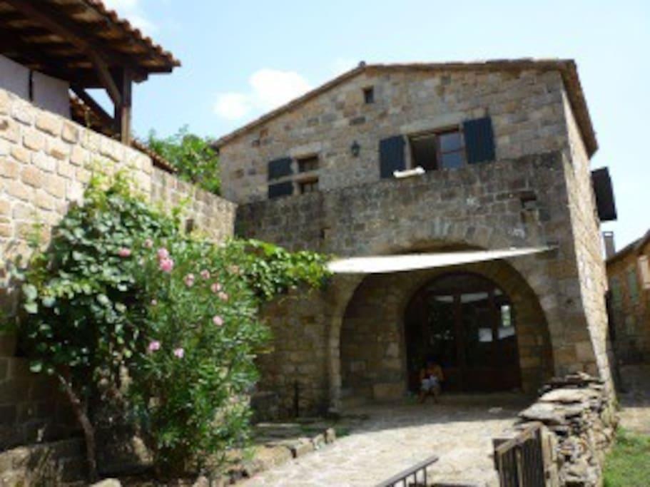 terrasse inférieur et façade