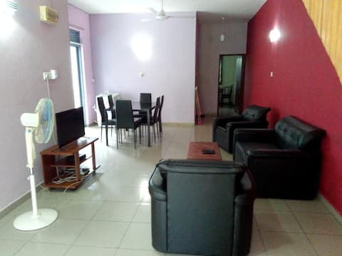 Cozy Apartment Close to Popular Mt. Lavinia Beach