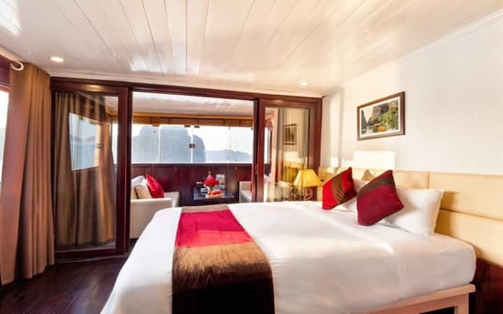 Balcony Cabin on 4-star Cruise 2 days/1 night